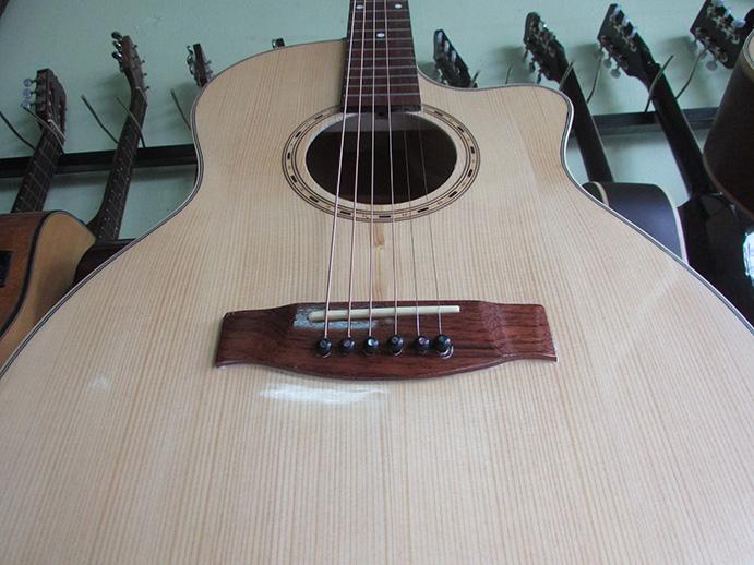 ti chỉnh cong cần đàn guitar acoustic hồng đào hdt-130