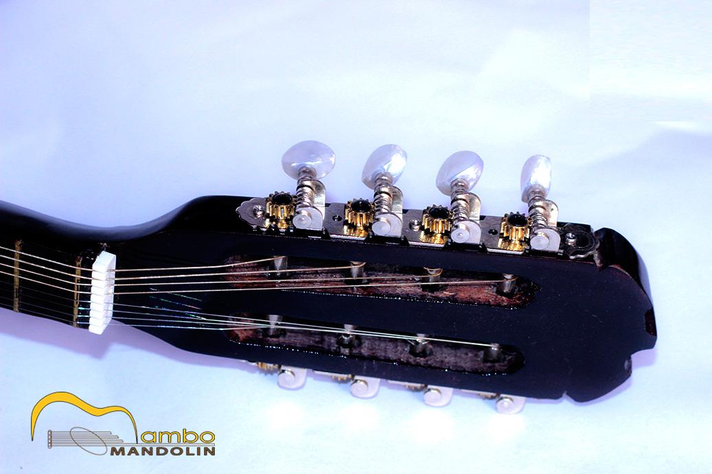 Khóa đàn mandolin phải đảm bảo không bị tuôn ren.